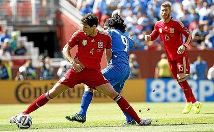Javi Martínez, durante un amistoso con España.