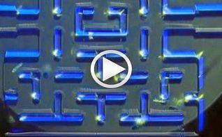Crean un microscopio para móviles que permite jugar al PacMan con microbios