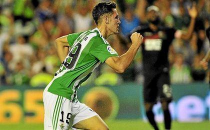 Álex Alegría se ha ganado la renovación con goles y un buen arranque.