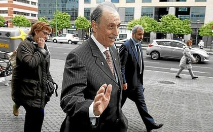 Manuel Ruiz de Lopera confía en conseguir un acuerdo favorable a sus intereses.