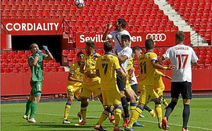El Sevilla Atlético vuelve a su feudo para recibir al Zaragoza.