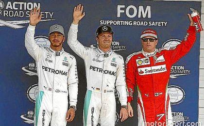Hamilton, Rosberg y Raikkonen, en el Gran Premio de Japón.