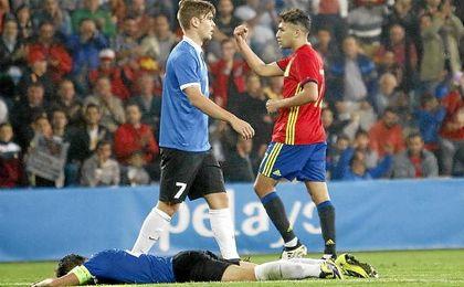 Munir celebra uno de sus goles anotados ante Estonia