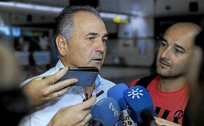 Gordillo no acudirá al Villamarín para ver a los dos equipos que marcaron su carrera, el Real Betis y el Real Madrid.