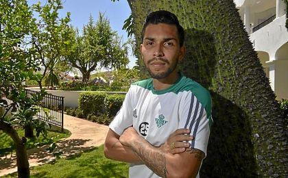 Petros, posando en una entrevista para ESTADIO Deportivo.