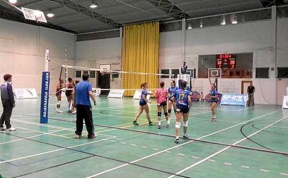 Por otro lado, el Mairena Voley se llevó un partido de infarto ante el Club Voleibol Elche (3-2)