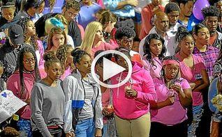 Miles de personas apoyan a Tyson Gay durante un homenaje a su hija asesinada