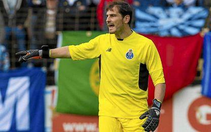 Casillas quiere seguir en el Oporto.