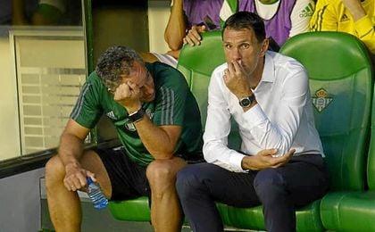 El uruguayo no salió a la zona técnica en la segunda mitad.
