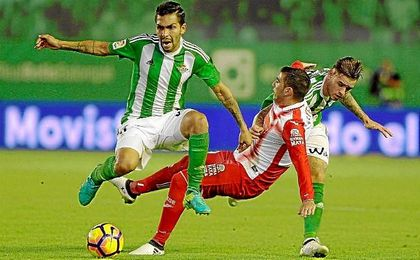 Petros, en un lance del partido ante el Espanyol.