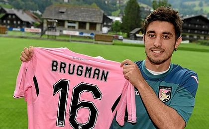 Brugman jugó cedido la pasada temporda en el Palermo.