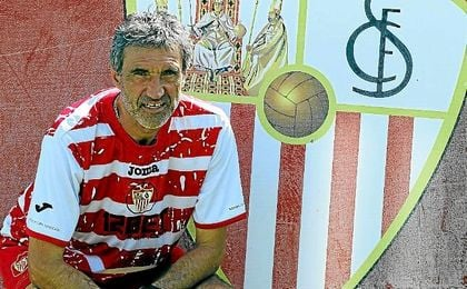 Antonio Álvarez, durante su etapa como técnico del Sevilla.