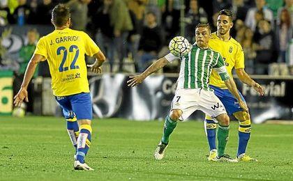 Partido de Liga de la pasada temporada entre el Betis y Las Palmas en el Benito Villamarín.