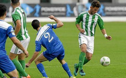 Imagen del partido entre el Betis B y el Écija Balompié en la mañana de este domingo.