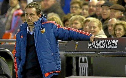 Gary Neville, durante su etapa al frente del banquillo del Valencia.