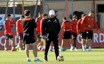 Sampaoli, en un entrenamiento del Sevilla.