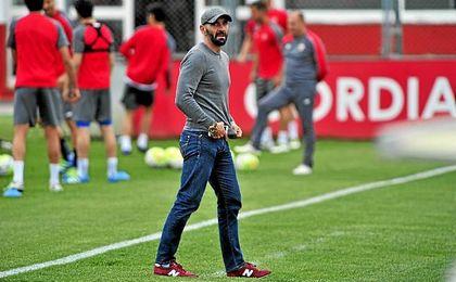 Monchi, durante un entrenamiento del Sevilla F.C.