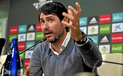 Víctor Sánchez del Amo, durante una rueda de prensa.