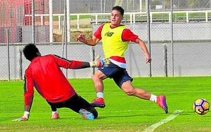 El sancionado Matos, fijo en el lateral zurdo, podría ser suplido en el once por Borja San Emeterio.