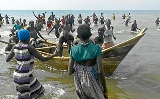 Trágico naufragio en Uganda