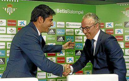 Ángel Haro y Miguel Torrecilla, en una presentación de un fichaje.