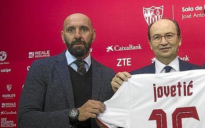 Monchi, durante la presentación de Jovetic.