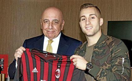 Gerard Deulofeu, en su presentación como jugador del Milan. ACM.