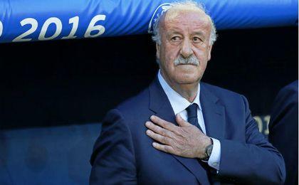 Vicente del Bosque momentos previos al partido Croacia-España del pasado año. UESyndication.