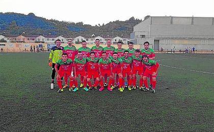 En la imagen, once inicial del CD Gelves de la presente temporada; el equipo de Eritaña disfruta de su segunda victoria de la temporada.