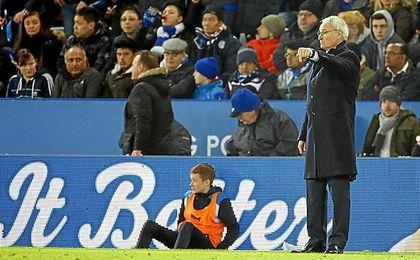 Ranieri, en el partido ante el Swansea.