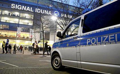 El Dortmund acepta el cierre de la grada por un partido por los incidentes violentos