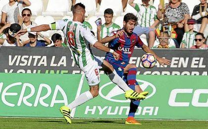 El líder recibe al Córdoba y el Oviedo se enfrenta al Getafe por el ascenso