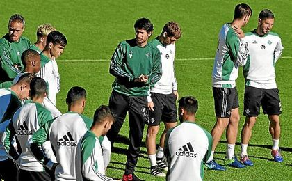 Víctor se lleva a 19 hombres a Granada.