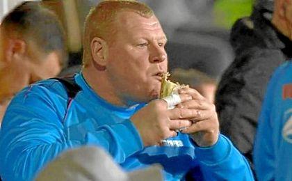 La FA investigará a Shaw por su bocadillo ante el Arsenal