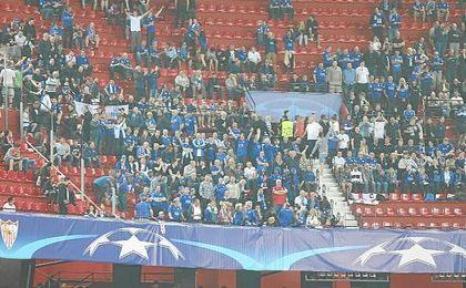 En torno a 500 aficionados ingleses visitaron Sevilla.