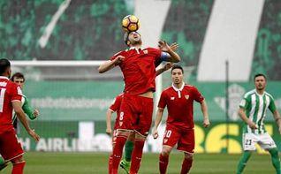 Polémica en el segundo gol sevillista en el derbi