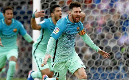 Messi marcó un gol que permite al Barcelona seguir enganchado a LaLiga.