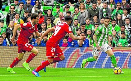 Rubén sumó ante el Sevilla su sexto partido consecutivo sin marcar. Lince.