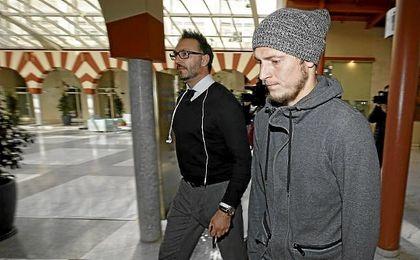 Zozulya, de vuelta a Sevilla tras una esperpéntica reunión