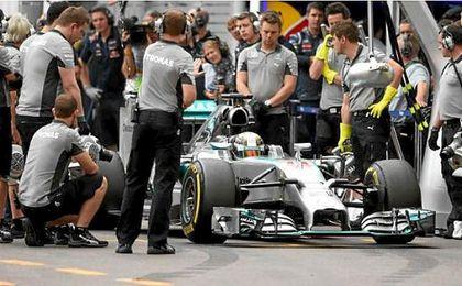 Mercedes anuncia que deja el ensayo de hoy por problemas eléctricos
