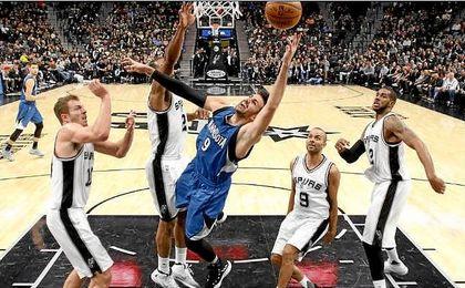 Triple-doble de Rubio que no salva a los Timberwolves ante los Spurs de Gasol