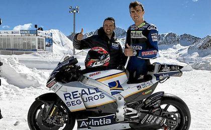 Barberá, con el brazo en cabestrillo, y Baz, presentan su equipo en Andorra