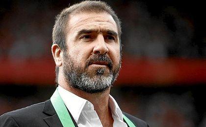 Cantona ha lanzando un dardo al Barcelona.