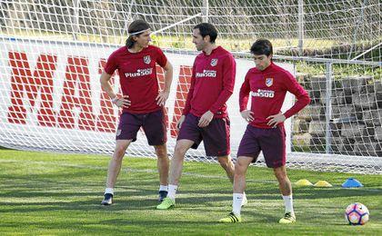 Simeone podrá contar con Godín para Granada.