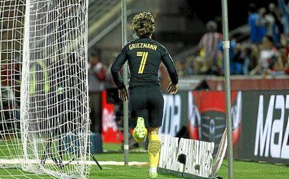 Griezmann celebró su decisivo gol logrado en Los Cármenes