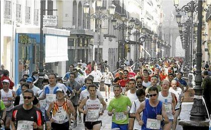 Fallece un corredor de 55 años en el medio maratón de Zaragoza