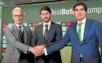 Torrecilla, Víctor y Haro, en la presentación del técnico madrileño.