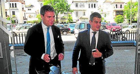 Cayetano García de la Borbolla (izquierda) y Camilo Puerto (a su lado).