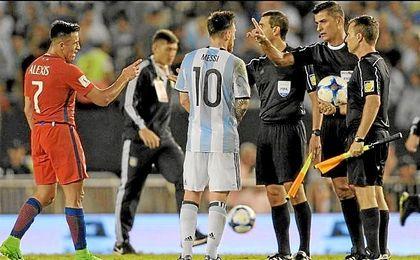 Messi, sancionado con cuatro partidos.