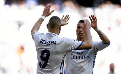 Benzema hizo el primero, pero comenzó la jugada en fuera de juego.